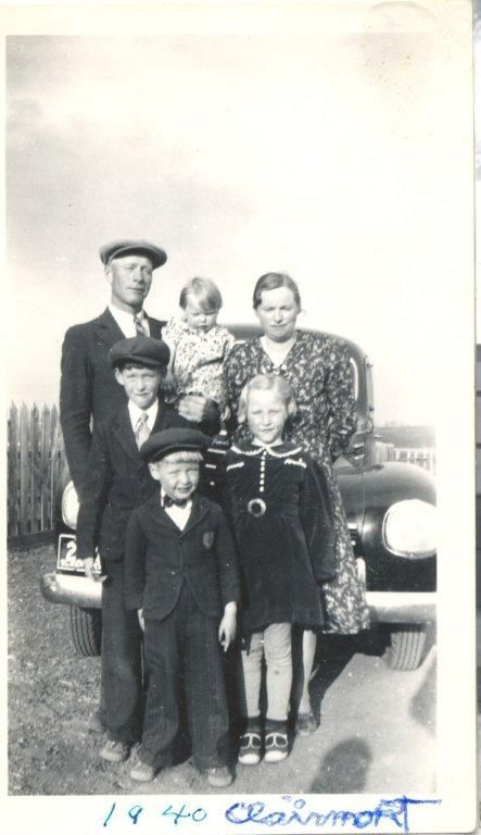 Nickel family 1940