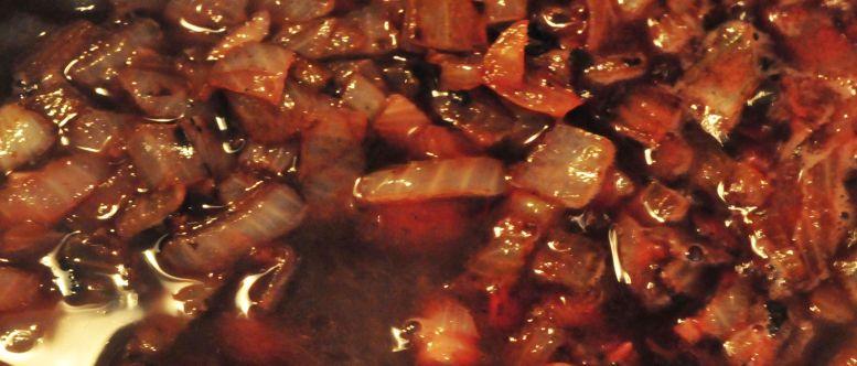 Onion-wine sauce